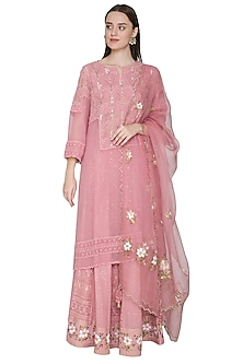 Blush Pink Embroidered & Hand Painted Kurta Lehenga Set by Poonam Dubey Designs