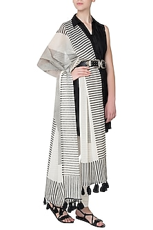 Black and White Printed Dupatta by Silk Waves