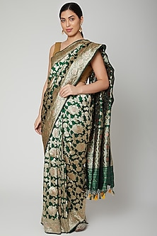 Emerald Green Handwoven Saree Set by Priyanka Jha
