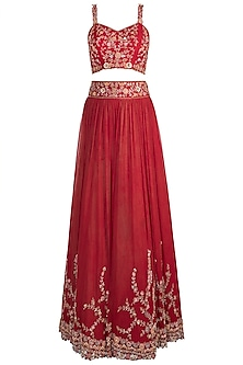 Red Embroidered Heavy Lehenga Set by Pleats by Kaksha & Dimple
