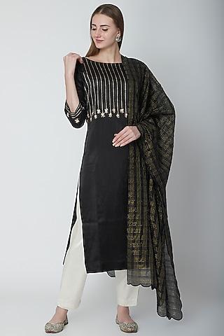 Black Embroidered Kurta Set by POULI