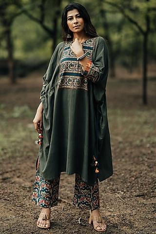 Green Printed Kaftan Kurta Set by Pooja & Keyur