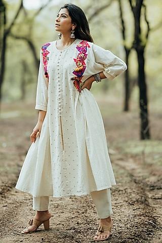 White Kutch Embroidered Anarkali Set by Pooja & Keyur