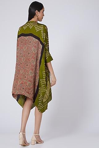 Mehendi Green Printed Kaftan  by Pooja Bagaria