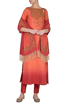 Coral embroidered ombre kurta set by POULI