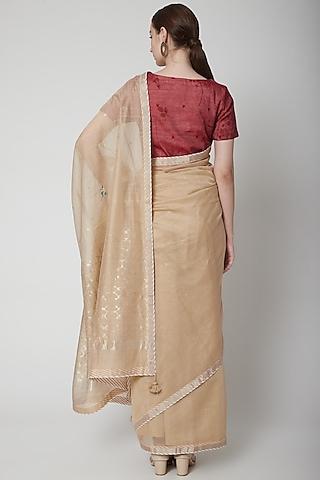 Beige & Maroon Hand Woven Saree Set by Prama by Pratima Pandey