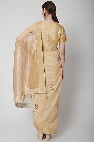 Beige & Gold Zardosi Embroidered Saree Set by Prama by Pratima Pandey