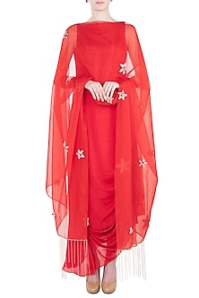 Red embroidered drape tunic with dupatta by PINK PEACOCK COUTURE