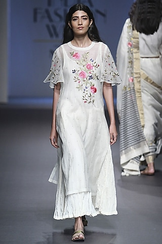 White and Grey Polka Dot Embroidered Kurta by Prama by Pratima Pandey
