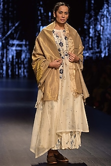 White Polka dotted Tunic WIth Digital Printed Inner & Pashmina Shawl by Prama by Pratima Pandey