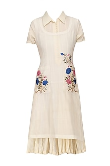 Ivory Embroidered Kurta Shirt and Crushed Tunic Set by Prama by Pratima Pandey