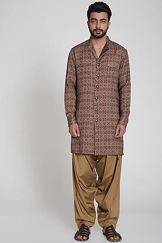 Brown Pashmina Kurta by Pranay Baidya Men