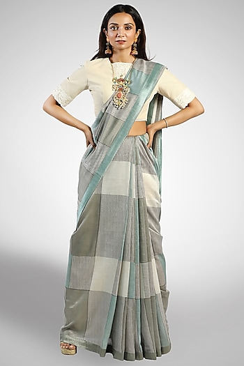 Grey Box Printed Saree by Pranay Baidya
