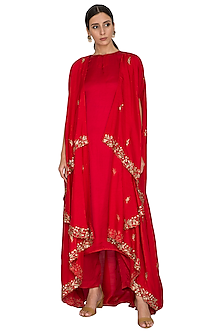 Red Embroidered Cape With Kurta & Palazzo Pants by Prathyusha Garimella