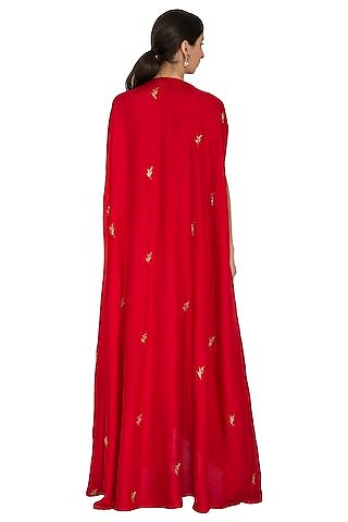 Red Embroidered Cape With Kurta & Palazzo Pants by Prathyusha Garimella