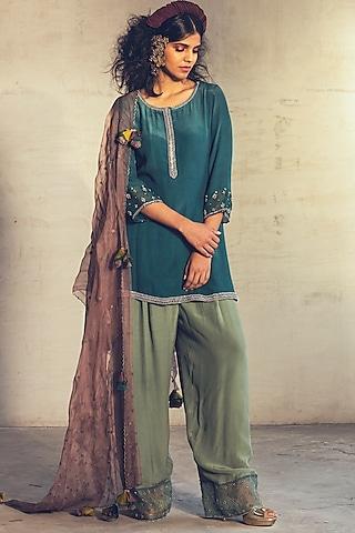 Teal Green Embroidered Kurta Set by Parul & Preyanka
