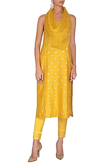 Mustard Embroidered Kurta Set by Priyal Prakash