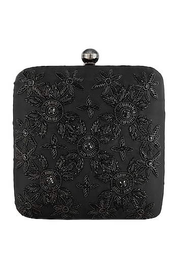 Black embroidered sling clutch bag by PRACCESSORII