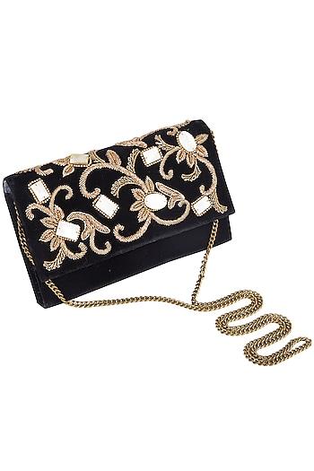 Black embroidered velvet clutch bag by PRACCESSORII