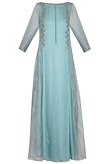 Powder blue embroidered kurta set by Priyam Narayan