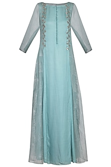 Powder blue embroidered kurta set by Priyam Narayan