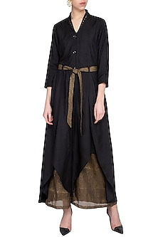 Black embroidered jacket kurta with pants and belt by Priyam Narayan