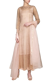 Peach embroidered kurta set by Priyam Narayan
