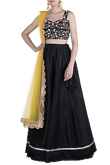 Black Embroidered Lehenga Set by Priti Sahni