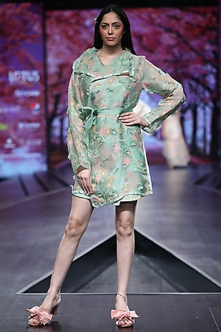 Green Overlapping Jacket With Printed Inner by Pinnacle By Shruti Sancheti