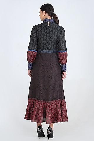 Black Printed Dress With Belt by Pinnacle By Shruti Sancheti