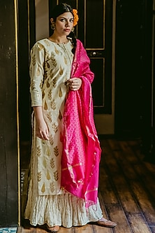 White Printed Mughal Kurta Set by Purple Panchi