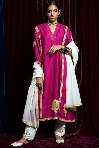 Pink & Ecru Embroidered Kurta Set by Payal Pratap