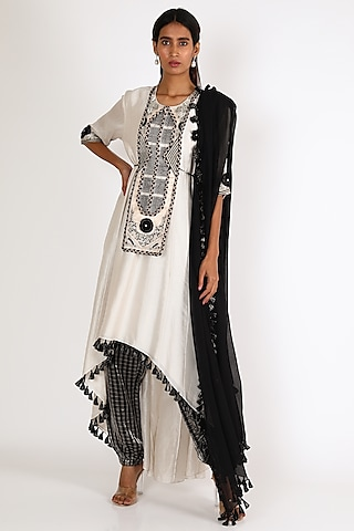 White Embroidered Anarkali Set by Payal Singhal