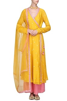 Mango Yellow Embroidered Kurta Set by Priyal Prakash