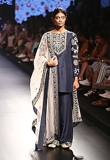 Navy blue floral embroidered kurta and palazzo pants set by Payal Singhal