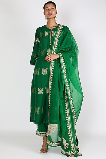 Green Aari Embroidered Kurta Set by Rar Studio