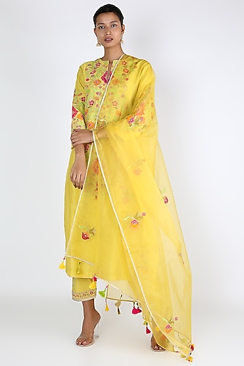 Yellow Embroidered Kurta Set by Rar Studio