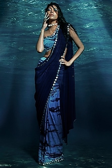 Blue Tie & Dye Pre-Stitched Saree Set by Reeti Arneja-REETI ARNEJA