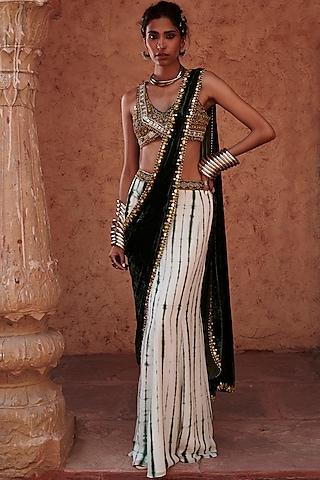 Emerald Green Pre-Stitched Saree Set by Reeti Arneja