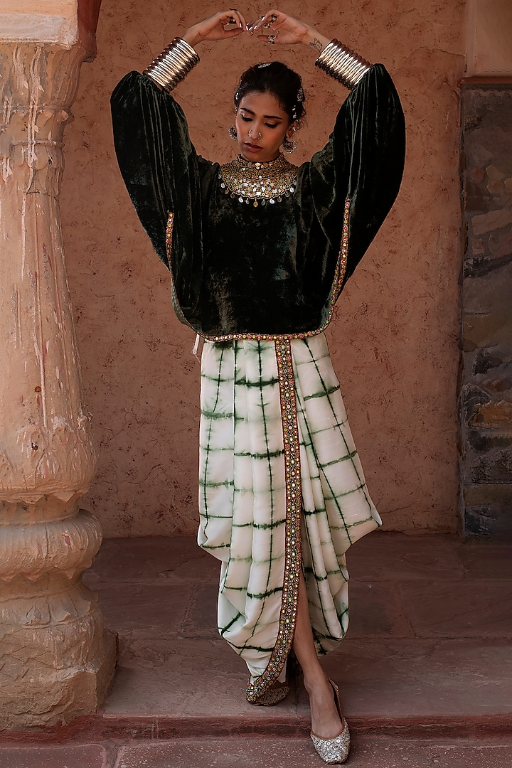 Emerald Green Embroidered Skirt Set by Reeti Arneja