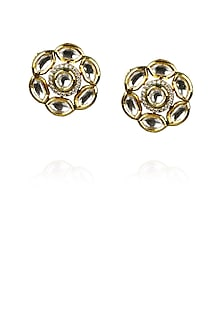 Gold plated floral kundan stud earrings by Raabta
