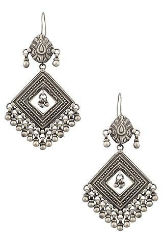 Silver Patra Diamond Shaped Earrings by Ranakah