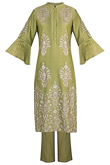 Olive embroidered kurta set by RAR STUDIO
