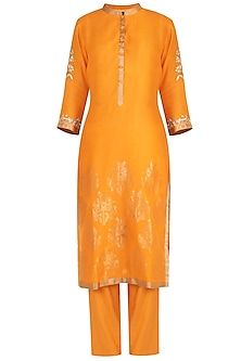 Orange embroidered kurta set by RAR STUDIO