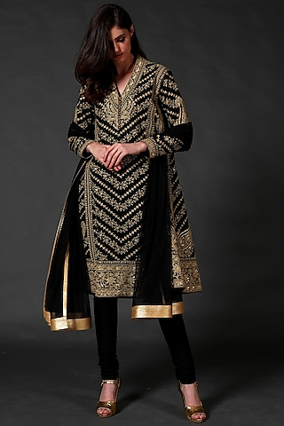 Black Hand Embroidered Kurta Set by Rohit Bal