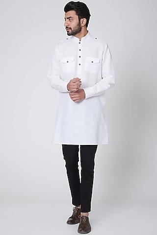 White Kurta With Patch Pockets by Ravi Bajaj