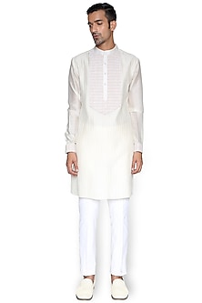 White Embroidered Kurta by Rimzim Dadu Men