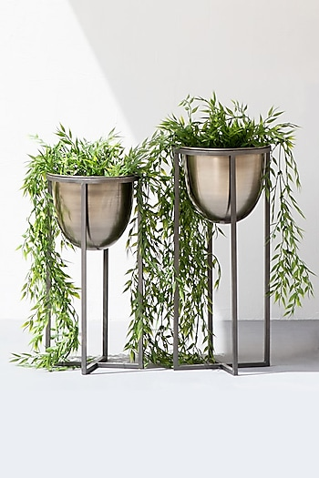 Silver Vintage Iron Planter (Set of 2) by The Decor Remedy