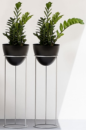 Black & Silver Planters (Set of 2) by The Decor Remedy