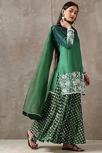 Emerald Green Embroidered Kurta Set by Rekha